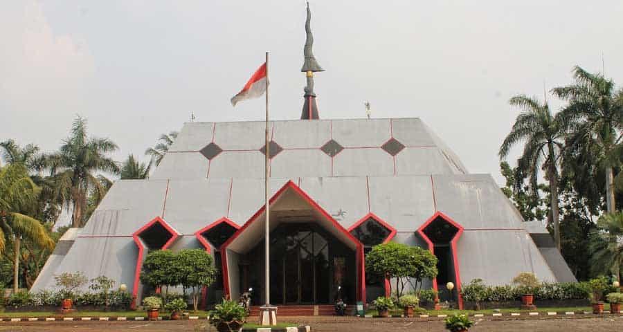 Taman Mini Indonesia Indah Harga Tiket Alamat 18 Museum