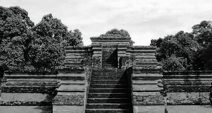 Sejarah kerajaan tarumanegara peninggalan