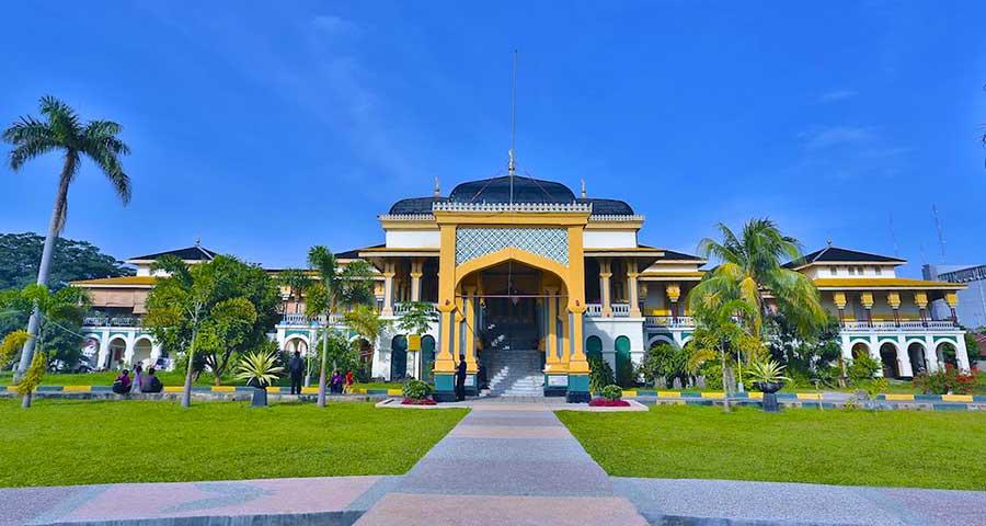 foto istana maimun medan kesultanan Deli