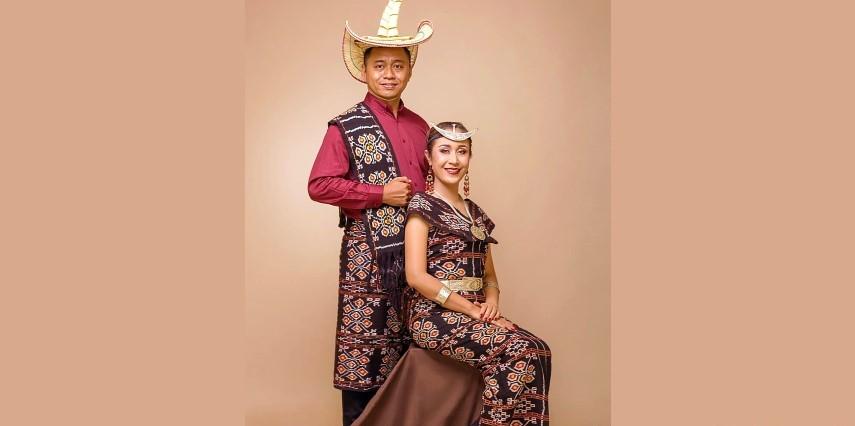 Kain tenun yang berasal dari daerah Nusa Tenggara baik Barat maupun Timur selalu memiliki corak dan motif yang sangat khas.