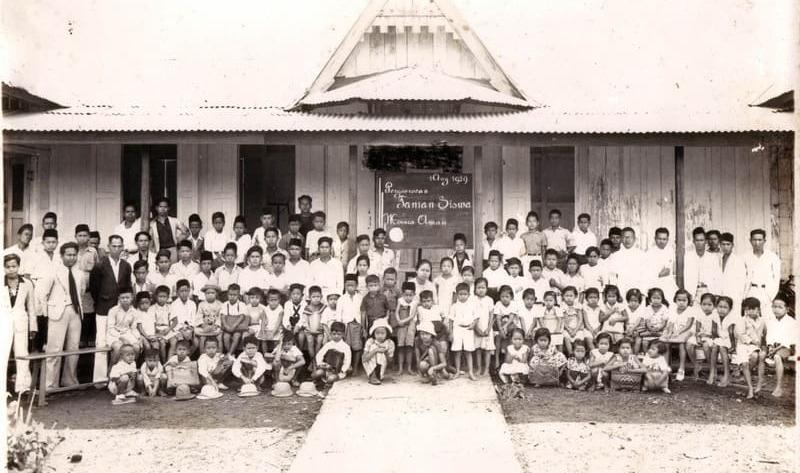 gambar-ki-hajar-dewantara-pengamatsejarah,blogspot,com