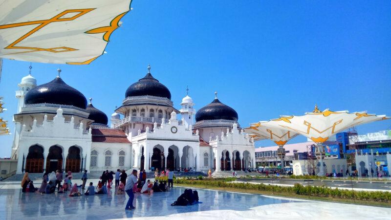 gambar-masjid-raya-baiturrahman-kerajaan-aceh-taldebrooklyn,com